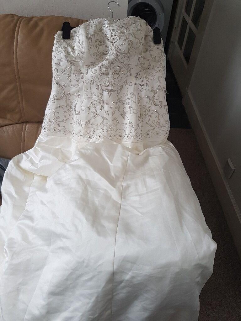 Wedding dress edinburgh gumtree popular wedding dress 2017 emma roy wedding dress and veil edinburgh eh13 in ombrellifo Choice Image
