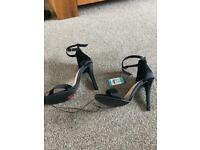 Size5 barely there sandal