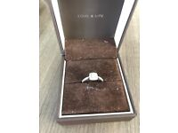 BEAUTIFUL ERNEST JONES 9CT WHITE GOLD .33CT ENGAGEMENT RING EXCELLENT CONDITION COST £875 NEW IN JAN