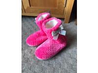 Girls Slipper Boots - Size 3 - NEW