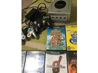 GameCube // 11 games // 2 controllers // 1 memory card