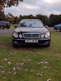 Mercedes Benz, E Class 320 CDI V6, 220 bhp, Avantgarde, Auto Est; Met Black/Black Leather (2004)