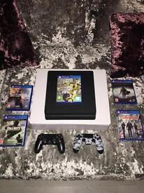 PLAYSTATION 4 MORE OR LESS NEW £200 BARGAIN