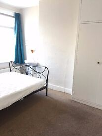 Large Double Room Available In Brentford / Chiswick