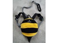 Childs LittleLite bumblebee bag