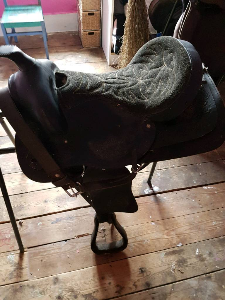 Western saddle (SOLD)
