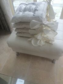 4 kitchen/dining room chair cushions with ties New. Cream / Black lettering