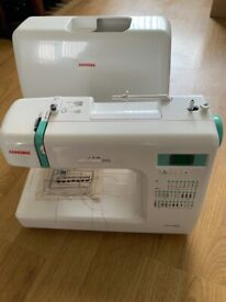 Janome CC1000 (8077) Sewing Machine & Accessories. Excellent condition.