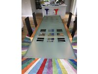 Ligne Roset Extensia extending glass dining table and 4 chairs. Extends from 1.4m to 2.6m.