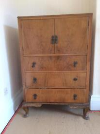Traditional cabinet / dresser / chest of draws