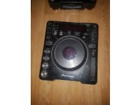 Pair of CDJ1000 MK2 with mixer