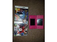 Nintendo dsi with 3 games and charger