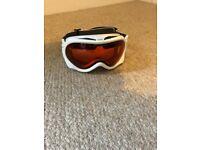 Ski goggles to fit glasses