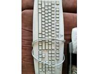 Logitech deluxe keyboard