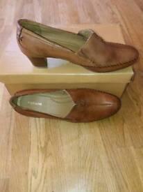 Footglove leather shoe