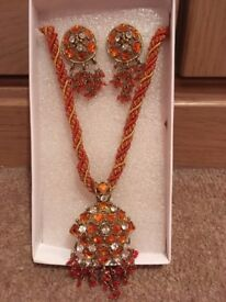 Indian style jewellery set