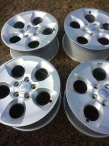 BRAND NEW  TAKE OFF  JEEP WRANGLER SAHARA  FACTORY OEM 18 INCH  ALLOY WHEEL SET OF FOUR  WITH SENSORS.