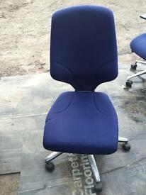 4 X Giroflex orangebox G64 office operator swivel chairs. Delivery