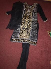 Beautiful Indian/Asian Suit/Outfit/Dress SIZE SMALL