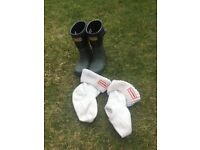 Wellies Hunter size 9 with socks