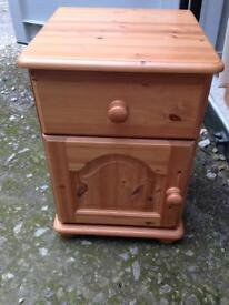 Solid pine bedside unit