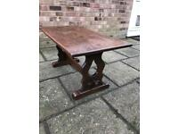 Solid oak stretcher coffee table (can deliver)