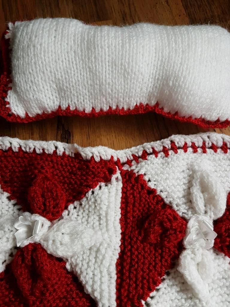 878709e96 Dolls pram blanket red and white
