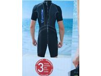 Mens Wet suit 3mm Neoprene Shorty style BNWT Size Large.