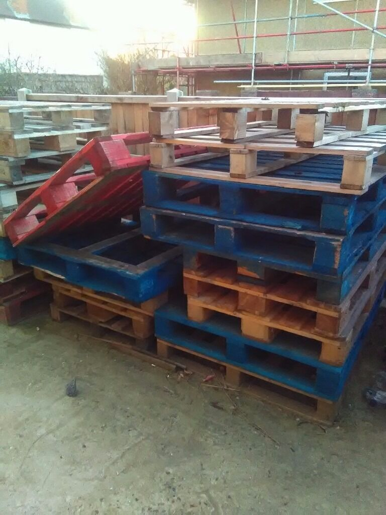 Pallets, various sizesin Walthamstow, LondonGumtree - For sale pallets, various sizes, some europallets, some euro size, some us size, total 25 pallets. Looking to get some room in my garden, will let for 10 pounds all. Located Wood Street, E17. Any questions 07877294812, thanks