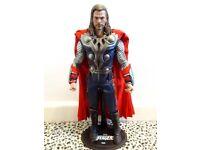 Hot Toys The Avengers: Thor Figure