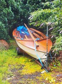 Classic Wooden Wayfarer Sailing Dingy