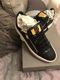 Men's Giuseppe zanotti design shoes trainers. Black leather croc look. With gold zips. Size 10