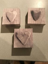 Set of 3 Small Heart Design Canvas Pictures