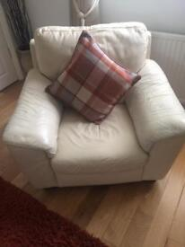 Cream leather 3 piece suite 2 chairs and 3 seater sofa