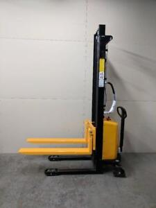 HOC EMS138 ELECTRIC 2-STAGE MAST PALLET STACKER 1000 KG (2204 LBS) + 138 INCH CAPACITY + 1 YEAR WARRANTY + FREE SHIPPING