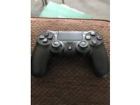 Like new boxed PS4 controller