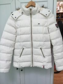 TOMMY HILFIGER WINTER JACKET XS/S cream colour