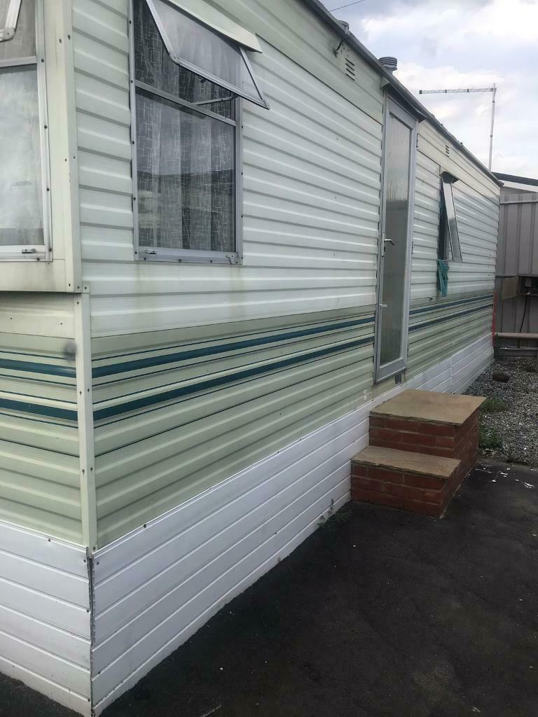 one bedroom mobile home for rent  in wickford essex