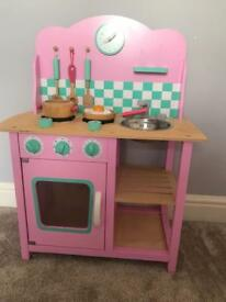 GLT play kitchen