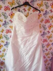 Beautiful Mori Lee ivory wedding dress size 26