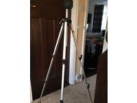 Revue camera tripod