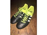 Adidas football boots studs size 4