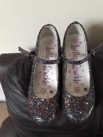 Girl's sparkle heeled shoes