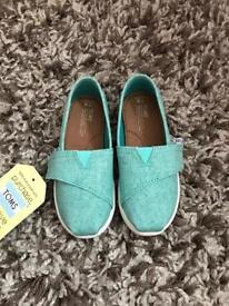 Brand new infant size 8 TOMS