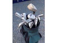 Green Golfing Bag + 11 Golf Clubs