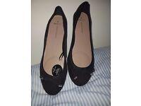 Black ballet pumps size 8