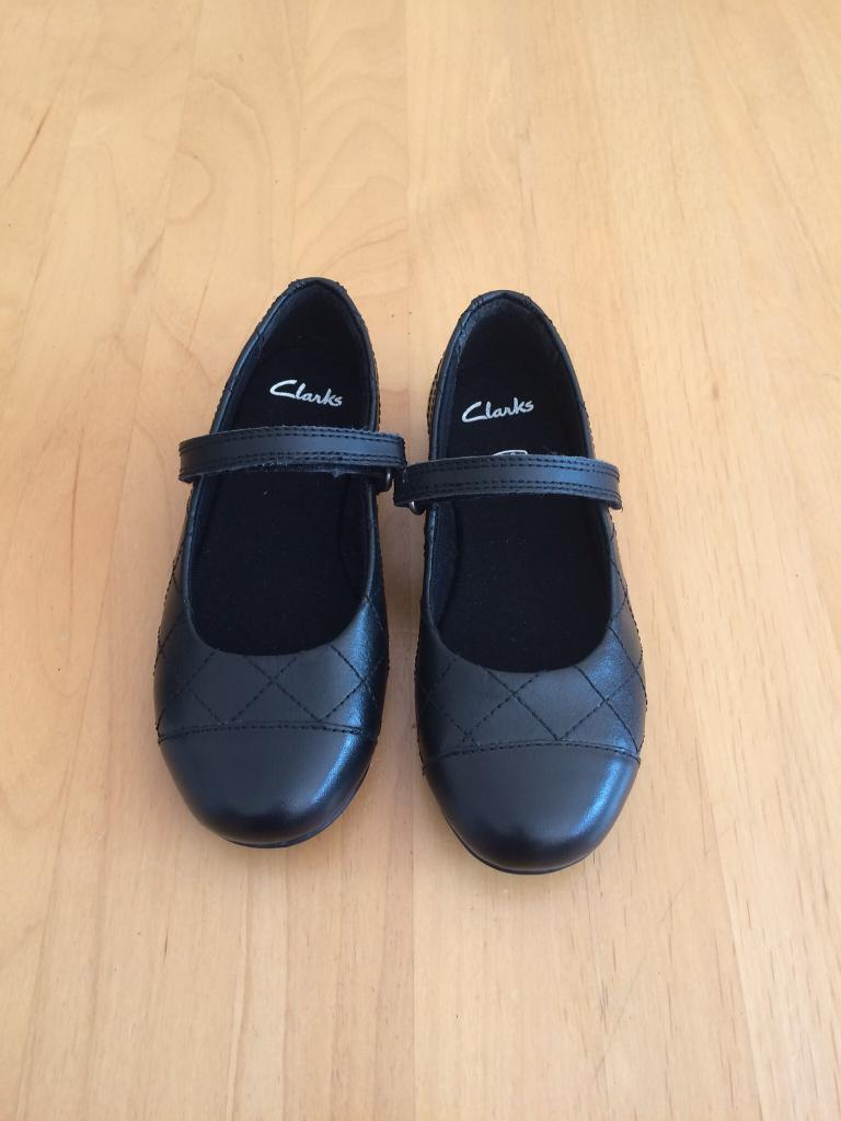 Girls NEW Clark Shoes size 9G