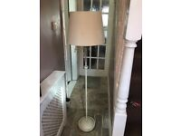 Floor lamp, cream, distressed