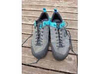 5.10 Approach shoe, size uk mens 7, excellent condition hardly worn