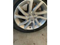 Land Rover 18 Inch Alloys Wheels Tyres